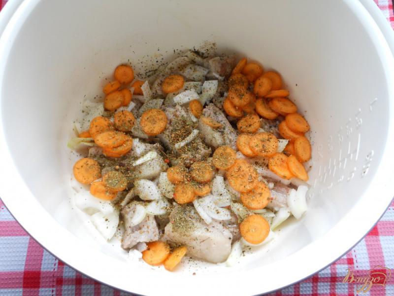 Фото приготовление рецепта: Рис со свиными ребрышками в мультиварке шаг №2
