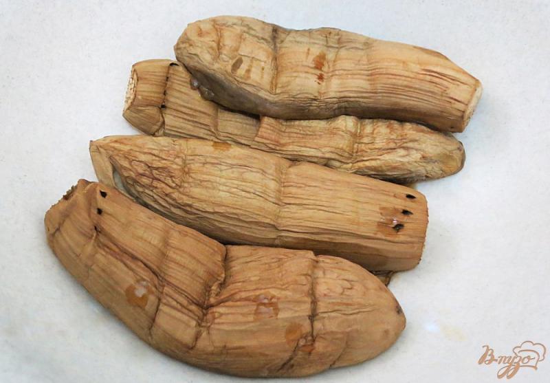 Фото приготовление рецепта: Закуска из запеченных баклажанов и перца шаг №3