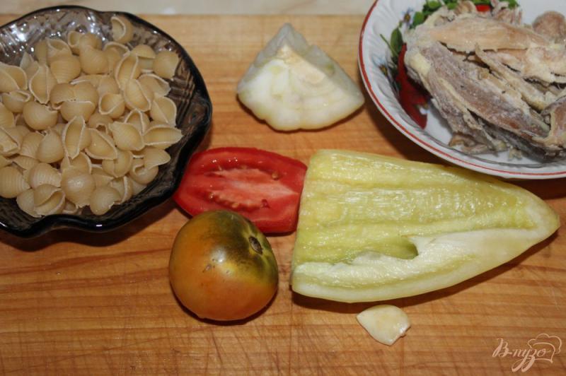 Фото приготовление рецепта: Тушеные макаронные ракушки с мясом и овощами шаг №1