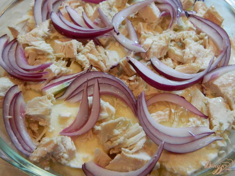 Фото приготовление рецепта: Запеканка из картофельного пюре, куриного филе и моцареллы шаг №4