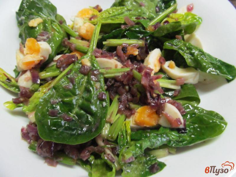Фото приготовление рецепта: Салат из шпината с яйцом шаг №5