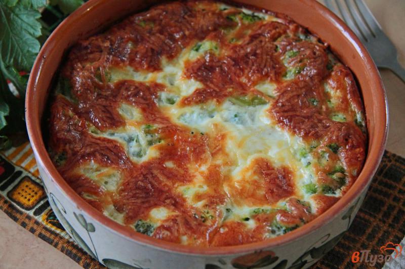 Фото приготовление рецепта: Запеканка из брокколи с сыром и яйцами шаг №7