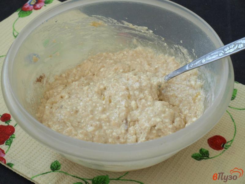 Фото приготовление рецепта: Творожно-банановые оладьи шаг №5