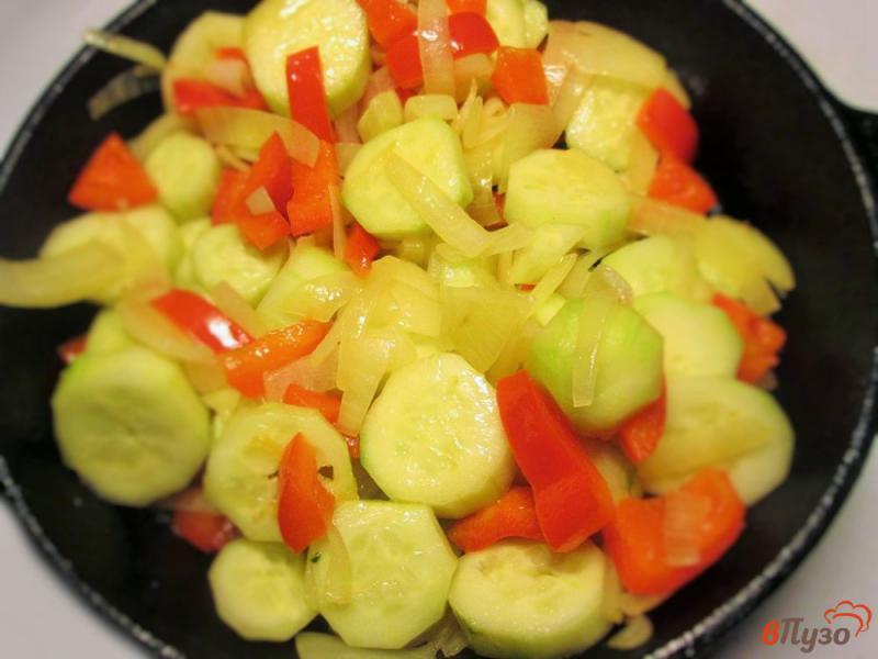 Фото приготовление рецепта: Горячий огуречный суп-поре шаг №5