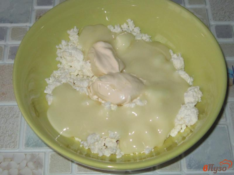 Фото приготовление рецепта: Вафельный торт с творожным кремом шаг №2
