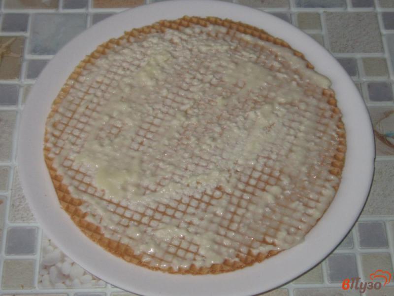 Фото приготовление рецепта: Вафельный торт с творожным кремом шаг №5
