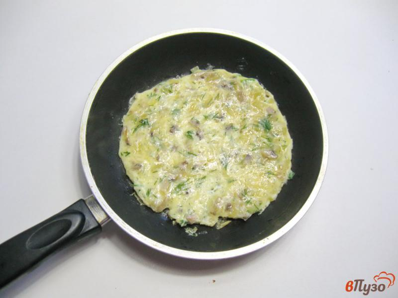 Фото приготовление рецепта: Куриные рулетики с грибами и яйцами шаг №3