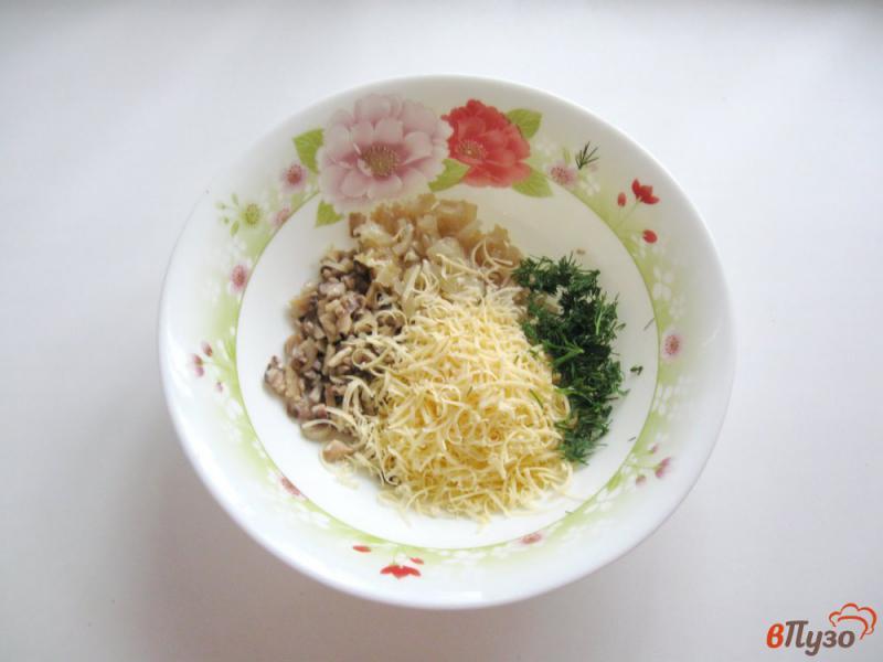 Фото приготовление рецепта: Куриные рулетики с грибами и яйцами шаг №1