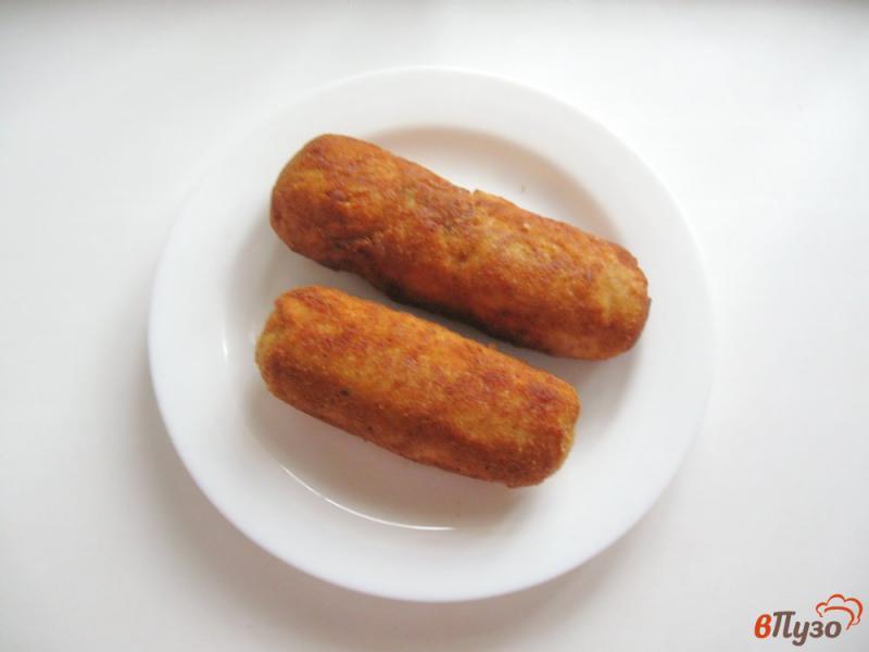Фото приготовление рецепта: Куриные рулетики с грибами и яйцами шаг №7