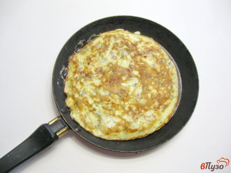 Фото приготовление рецепта: Куриные рулетики с грибами и яйцами шаг №4