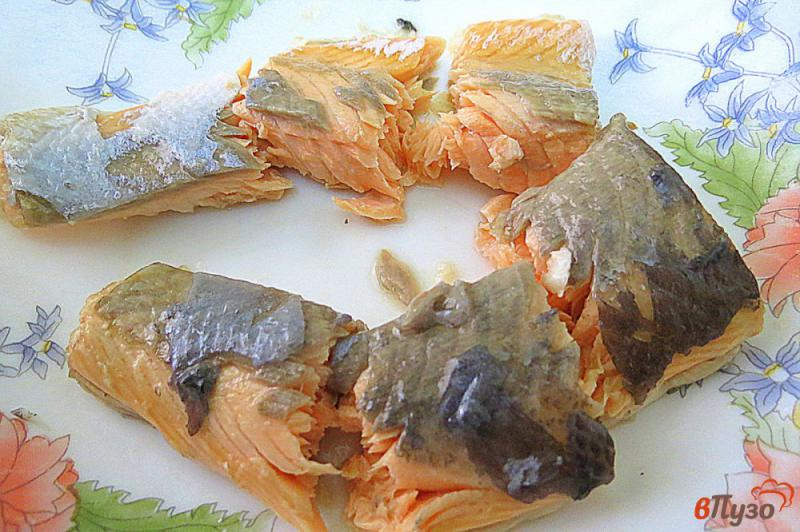 Фото приготовление рецепта: Суп пюре с лососем и сливками шаг №6