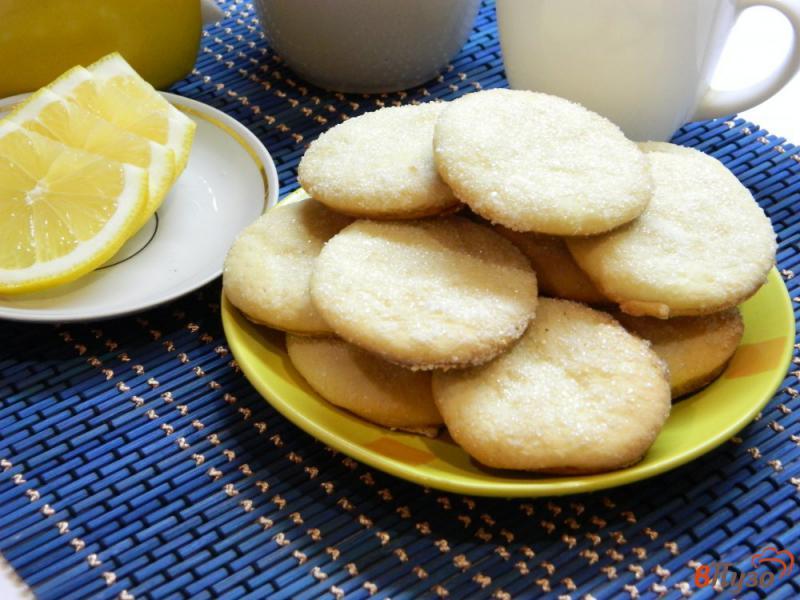 Фото приготовление рецепта: Печенье сахарное на сметане шаг №6