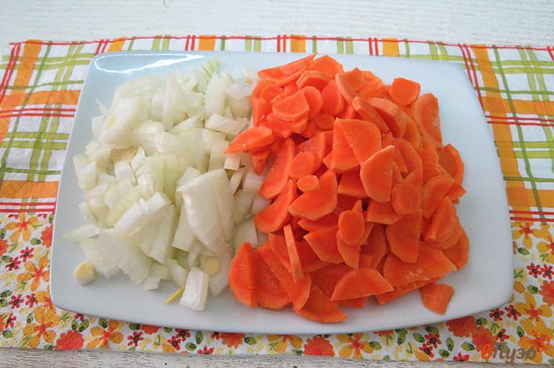 Фото приготовление рецепта: Суп из шпината с опятами шаг №2