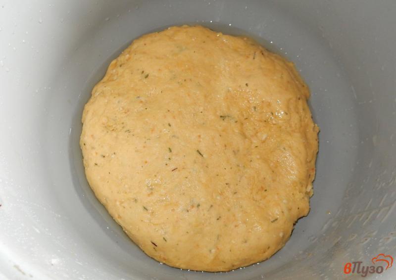 Пирог с колбасным сыром из слоеного теста рецепт с фото