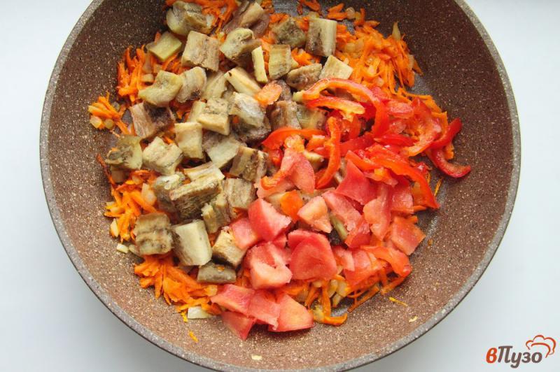 Фото приготовление рецепта: Суп с баклажанами на курином бульоне шаг №5