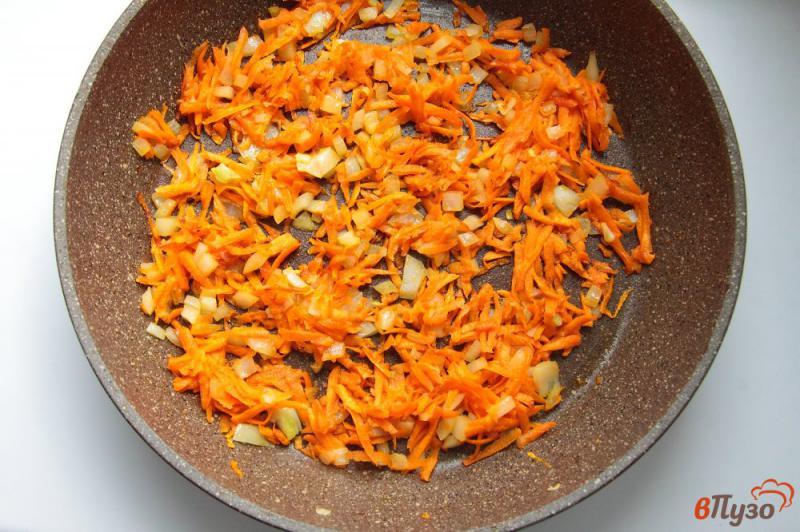 Фото приготовление рецепта: Суп с баклажанами на курином бульоне шаг №4