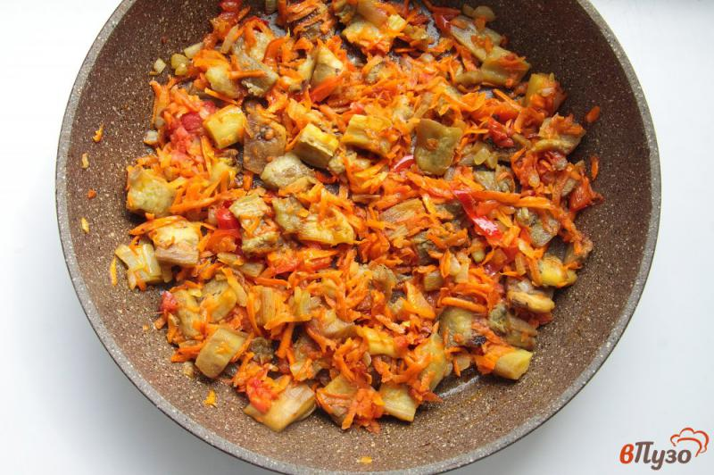 Фото приготовление рецепта: Суп с баклажанами на курином бульоне шаг №6