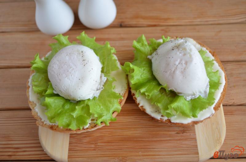 Фото приготовление рецепта: Бургер с яйцом-пашот шаг №7
