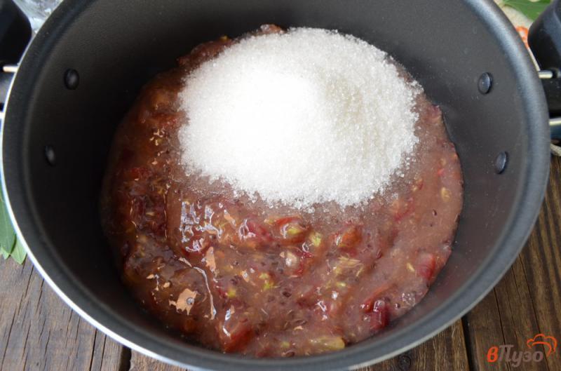 Фото приготовление рецепта: Варенье из крыжовника с листьями смородины шаг №2