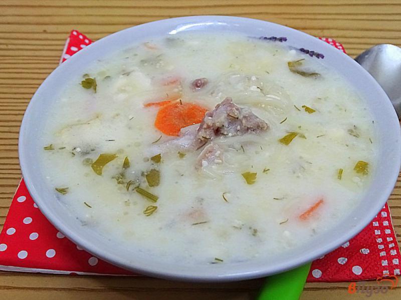 Фото приготовление рецепта: Куриный суп с вермишелью и сыром шаг №7