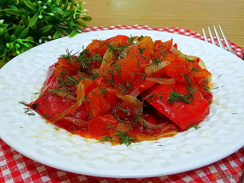Фото приготовление рецепта: Болгарский перец с помидорами на сковороде шаг №9
