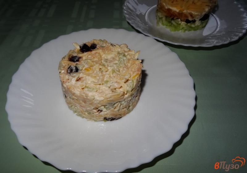 Фото приготовление рецепта: Салат с сельдереем, яблоком и сыром шаг №15