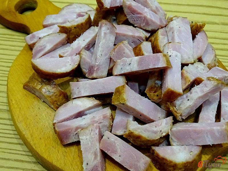 Фото приготовление рецепта: Суп с копчёной колбасой и плавленым сыром шаг №5