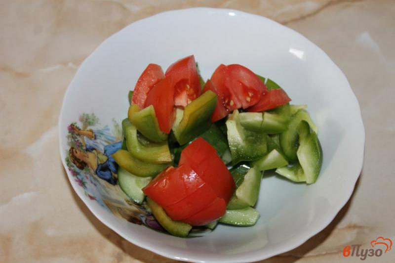Фото приготовление рецепта: Салат из рукколы с брынзой шаг №3