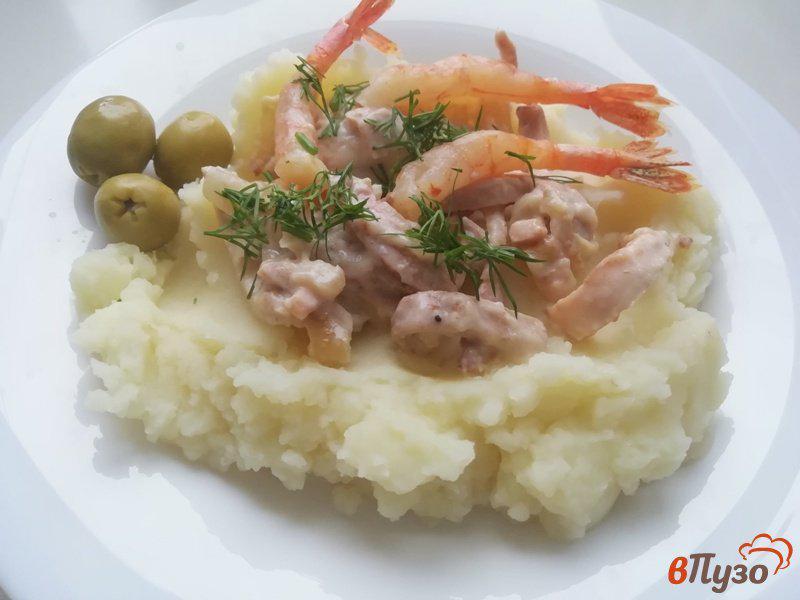 Фото приготовление рецепта: Кальмар в сметанном соусе шаг №4