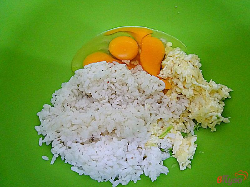 Фото приготовление рецепта: Запеканка из кабачков и риса шаг №5