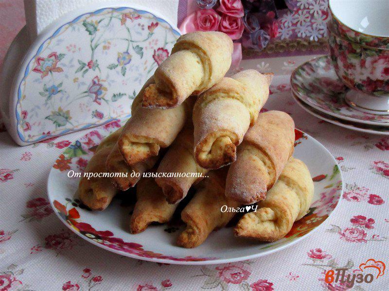 Фото приготовление рецепта: Творожные трубочки с грецкими орехами шаг №5