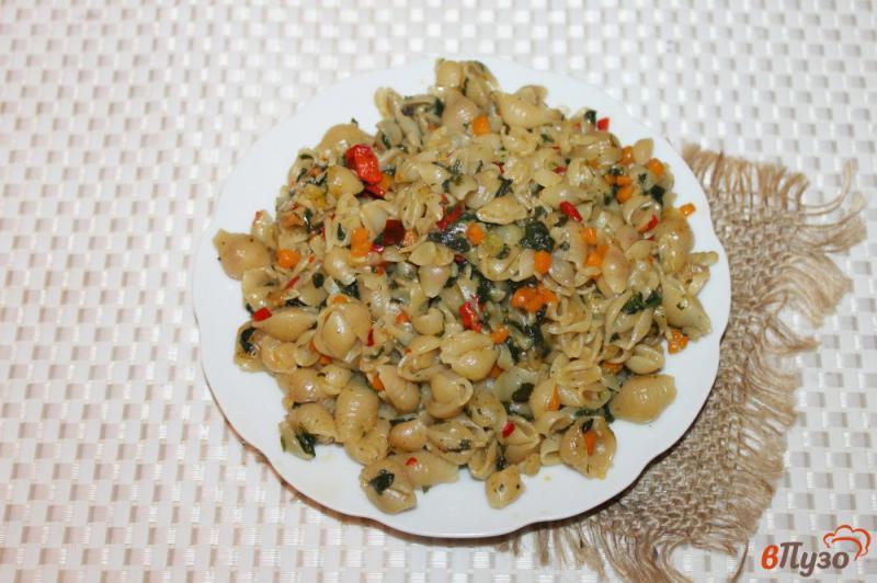 Фото приготовление рецепта: Макароны с овощами и шпинатом в мультиварке шаг №5
