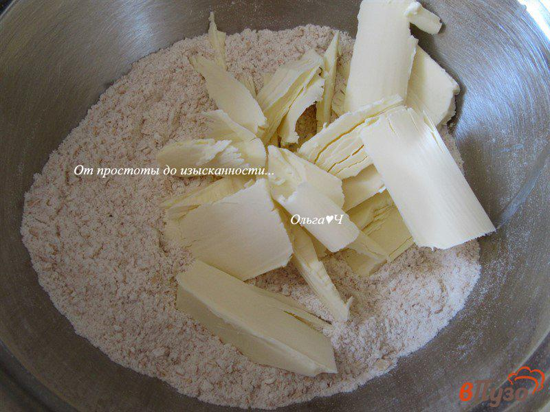 Фото приготовление рецепта: Овсяно-йогуртовый крамбль с вишней и корицей шаг №1