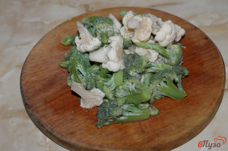 Фото приготовление рецепта: Брокколи и цветная капуста в соусе со сливочным сыром шаг №1