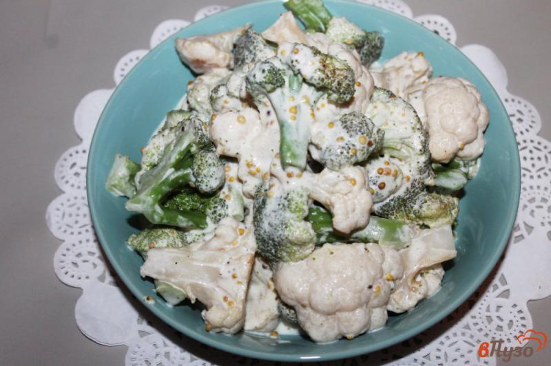 Фото приготовление рецепта: Брокколи и цветная капуста в соусе со сливочным сыром шаг №5