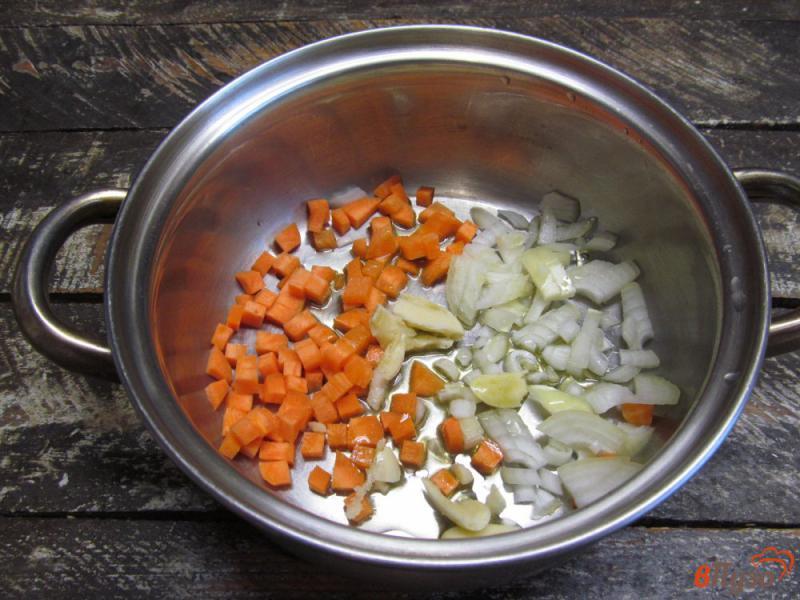 Фото приготовление рецепта: Картофельный суп с клецками из сыра шаг №1