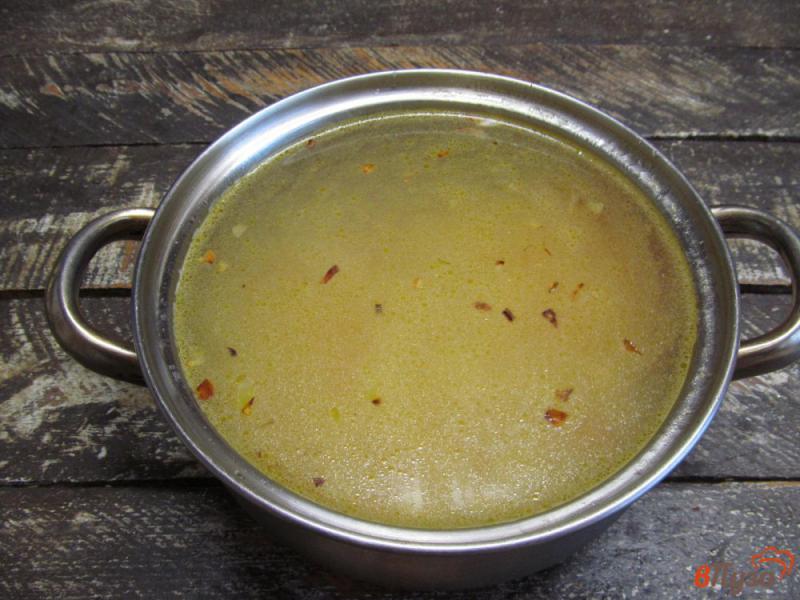 Фото приготовление рецепта: Картофельный суп с клецками из сыра шаг №3