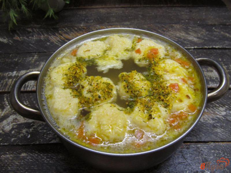 Фото приготовление рецепта: Картофельный суп с клецками из сыра шаг №8