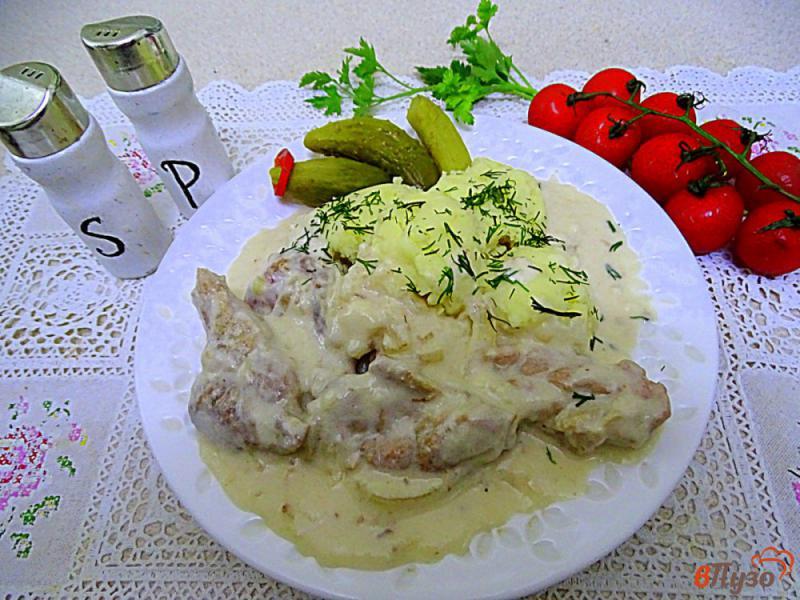 Фото приготовление рецепта: Филе куриных бёдрышек в сливочном соусе шаг №10