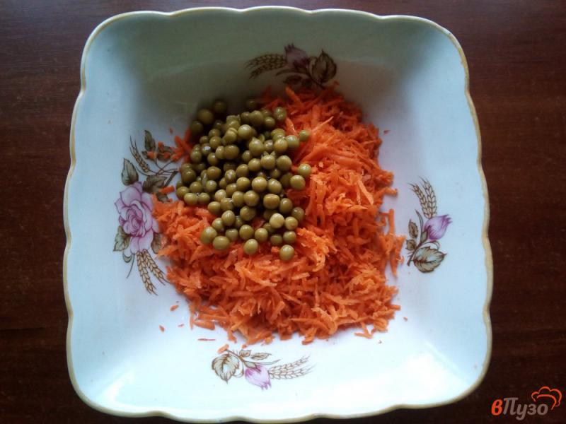 Фото приготовление рецепта: Салат из моркови шаг №2