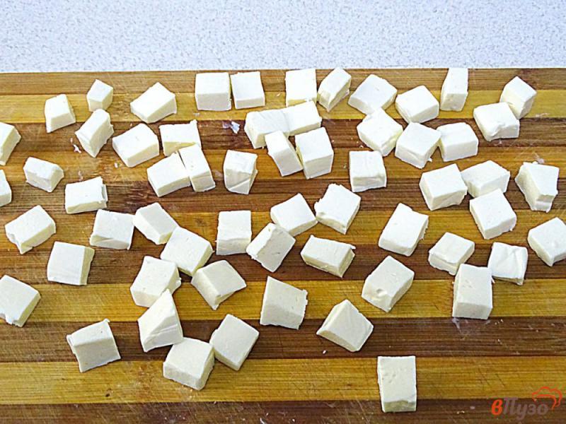 Фото приготовление рецепта: Суп из лосося с плавленым сыром шаг №6