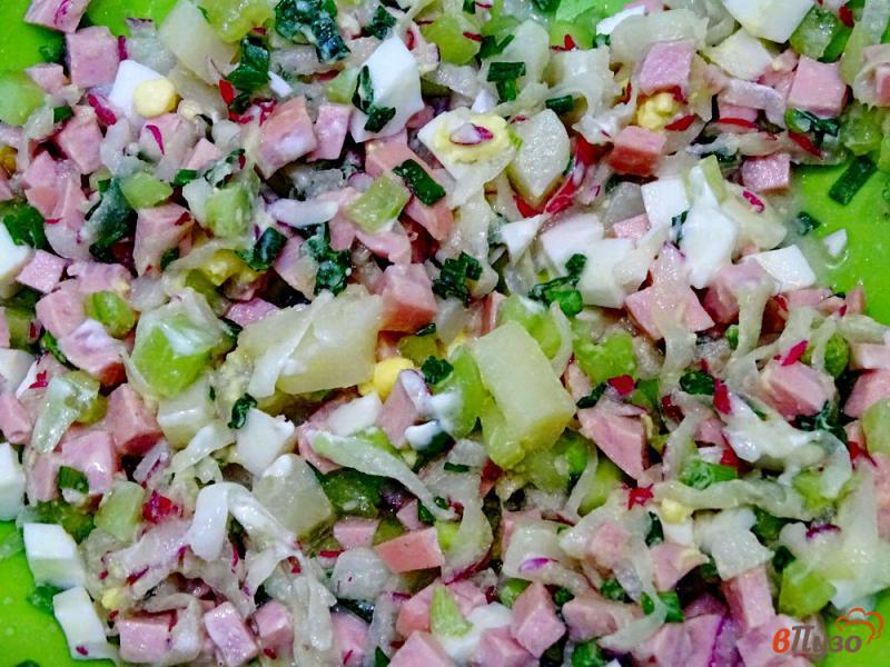 Фото приготовление рецепта: Окрошка на кефире с горчицей и хреном шаг №6