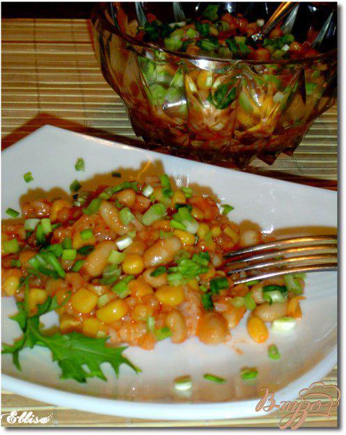 фото рецепта: Салат с рисом, фасолью и кукурузой
