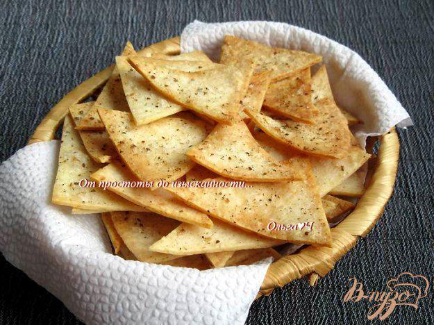 фото рецепта: Чипсы из тортильи с адыгейской солью