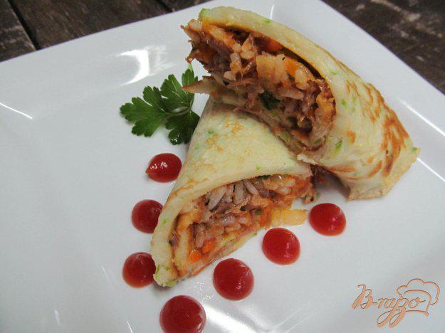 фото рецепта: Кабачковые рулеты с мясом и рисом