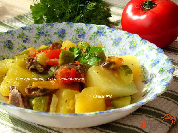 фото рецепта: Куриные сердечки с овощами по-гречески (в мультиварке)