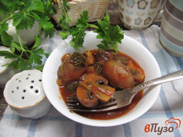 шампиньоны в томатном соусе
