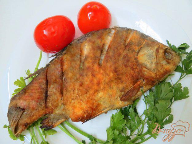 фото рецепта: Рыба жареная целиком с хрустящей корочкой