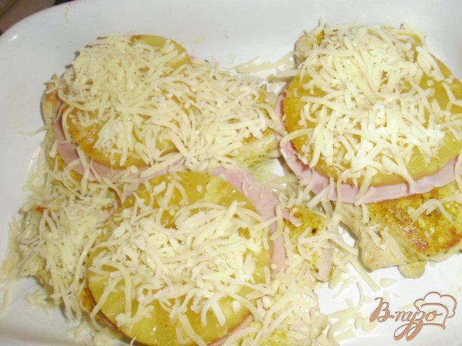 Фото приготовление рецепта: Шницель из филе индейки с ананасами шаг №3