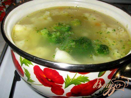 Фото приготовление рецепта: Сырный суп с цветной капустой и брокколи шаг №5